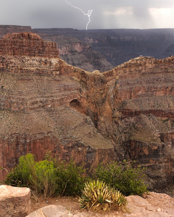 souvenirs from our fun tour of Las Vegas, Grand Canyon West rim and Hoover Dam.